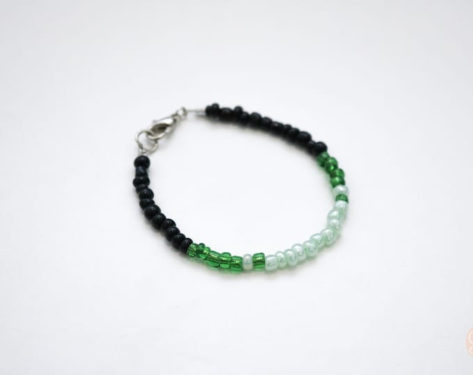 Green and Black dip dyed seed bead bracelet.