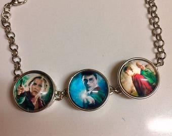 Harry Potter Bracelet / Harry Potter Gift/Harry Potter jewellery / Harry Potter fan gift. Harry Potter bracelet gift in  glass cabochons .