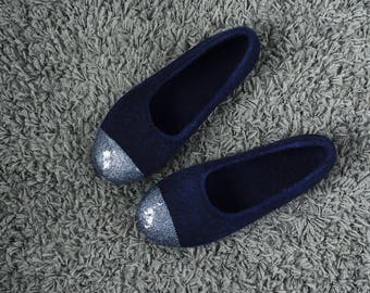 Felted ballet flats for women, Dark navy wool slippers, Felted wool indoor shoes, Charcoal glitter slippers for her