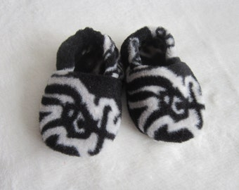 Chicago White Sox fleece baby booties
