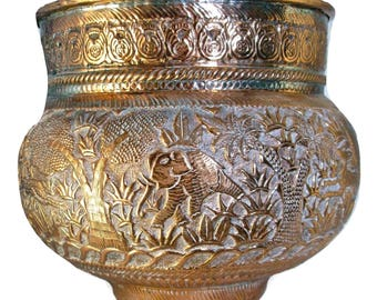 Large Middle Eastern Persian Mameluke Style Hammered Copper Pot. 12