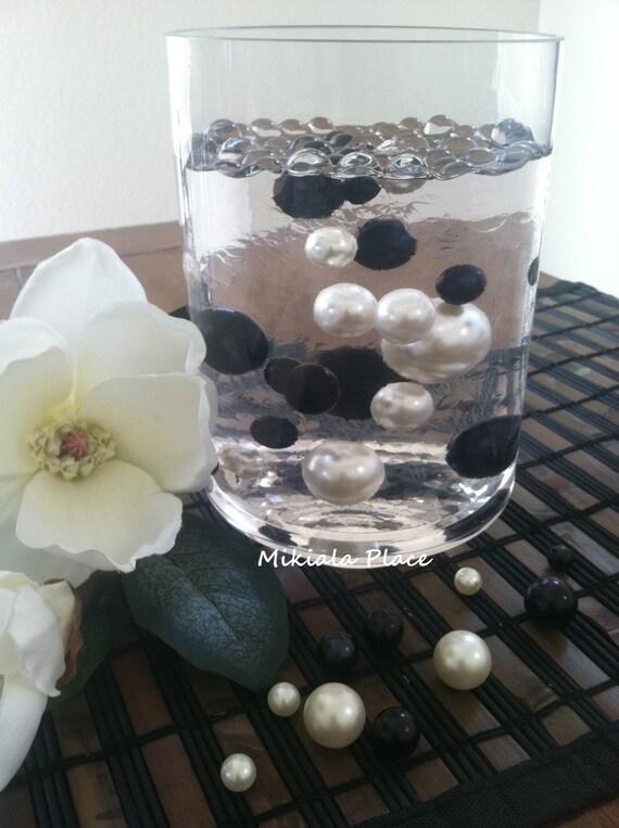 Elegant Black And White Floating Jumbo Pearls Vase