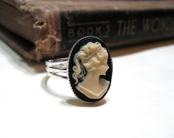 Vintage Black and Ivory Cameo Ring - Silver Plated - Adjustable - 18x13mm