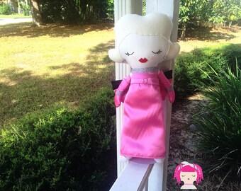 """Marilyn Monroe """"Lorelei Lee"""" tribute dolly"""