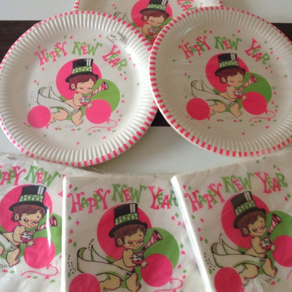 Vintage New Years Eve Paper Plates and Napkins/60\u0027s Happy New Year Baby Time Plates and Napkins/Reed Holiday Paper Plates & Vintage New Years Eve Paper Plates and Napkins/60\u0027s Happy