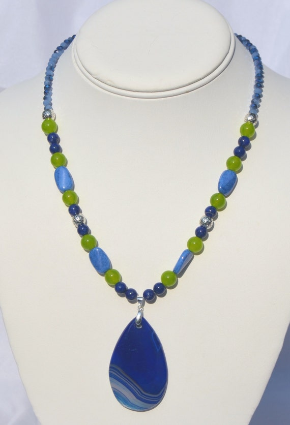 "16"" Blue and lime necklace with blue agate pendant"