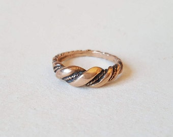 Vintage twisted bronze viking style ring (F821)