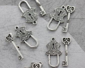 10 Set Antique Silver Lock and Key Toggle Clasp