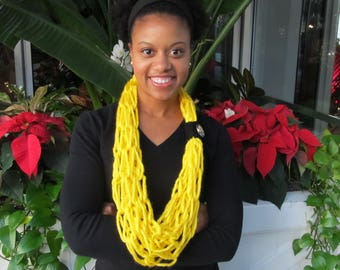 Steelers scarf, yellow and black scarf, steelers gift, yellow infinity scarf, Steelers infinity scarf, knit scarf, yellow knit scarf, scarf