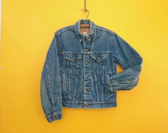 Vintage Levi's Jean Jacket in Women's Size 20, Estimated Medium (A classic blue denim jeans jacket with a 36 inch waist.)