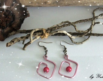 Square dangle earrings pink