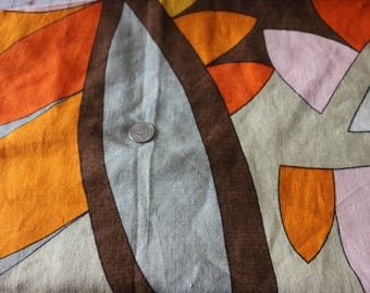 26 A whimsical and fun piece of Belgian Linen