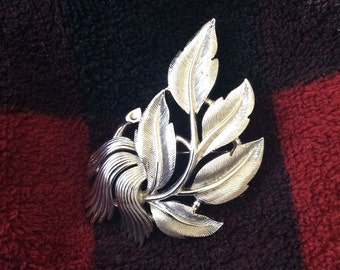 Trifari Silvertone pin/Brooch etched leaves