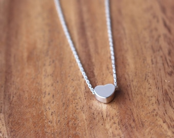 Tiny Heart necklace - Silver
