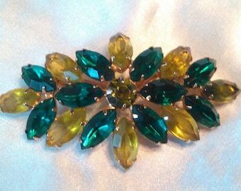 Vintage 1950's Dark Emerald Green And Yellow Glass Cabochon Gemstone Rhinestone 9K Yellow Gold Plated Brooch