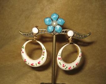 Hoop Earrings Clip White Enamel Floral 70s Vintage