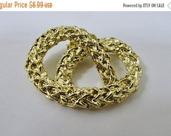 On Sale GERRY'S Vintage Textured Pretzel Knot Pin Item K # 2143