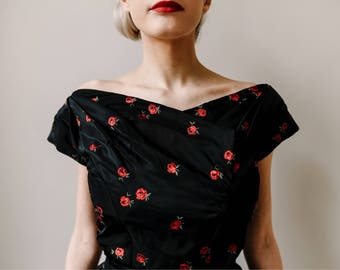 Christian Dior Couture. Vintage 1950s Tafetta Party Dress. Dior New Look Two Piece. Black Tafetta and Red Roses, Haute Couture. Stunning.