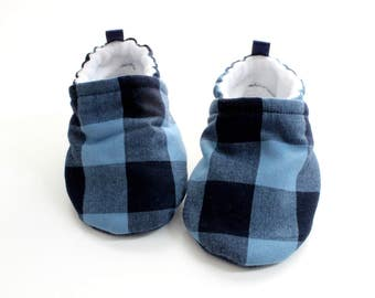 blue plaid buffalo baby booties, baby boots, baby shoes boys - baby shoes, Soft Sole, - great gift idea!