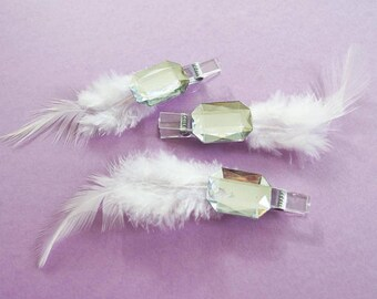 Accessories, Christmas, wedding table - set of three clothespins decorated with feather and large diamond - 10 cm - white