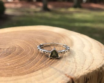 Silpada Belle Fleur Stack Ring Size 8 and 9 -R2747 Sterling Silver, Vintage, Retired, Olive Green Stone