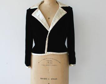 vintage 1960s blazer / 60s black velvet jacket / Bonwit Teller blazer / 1960s tuxedo suit jacket / boxy black and cream jacket / med large
