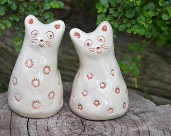 Ceramic cats. Cat sculpture. Pair of cats. Ceramic sculpture. Ceramic animals. Animal figures. Ceramic figurine. Ceramic decor. Home decor.