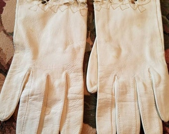 Vintage Cut Out Floral Gloves White Kid Leather 1950s As Is