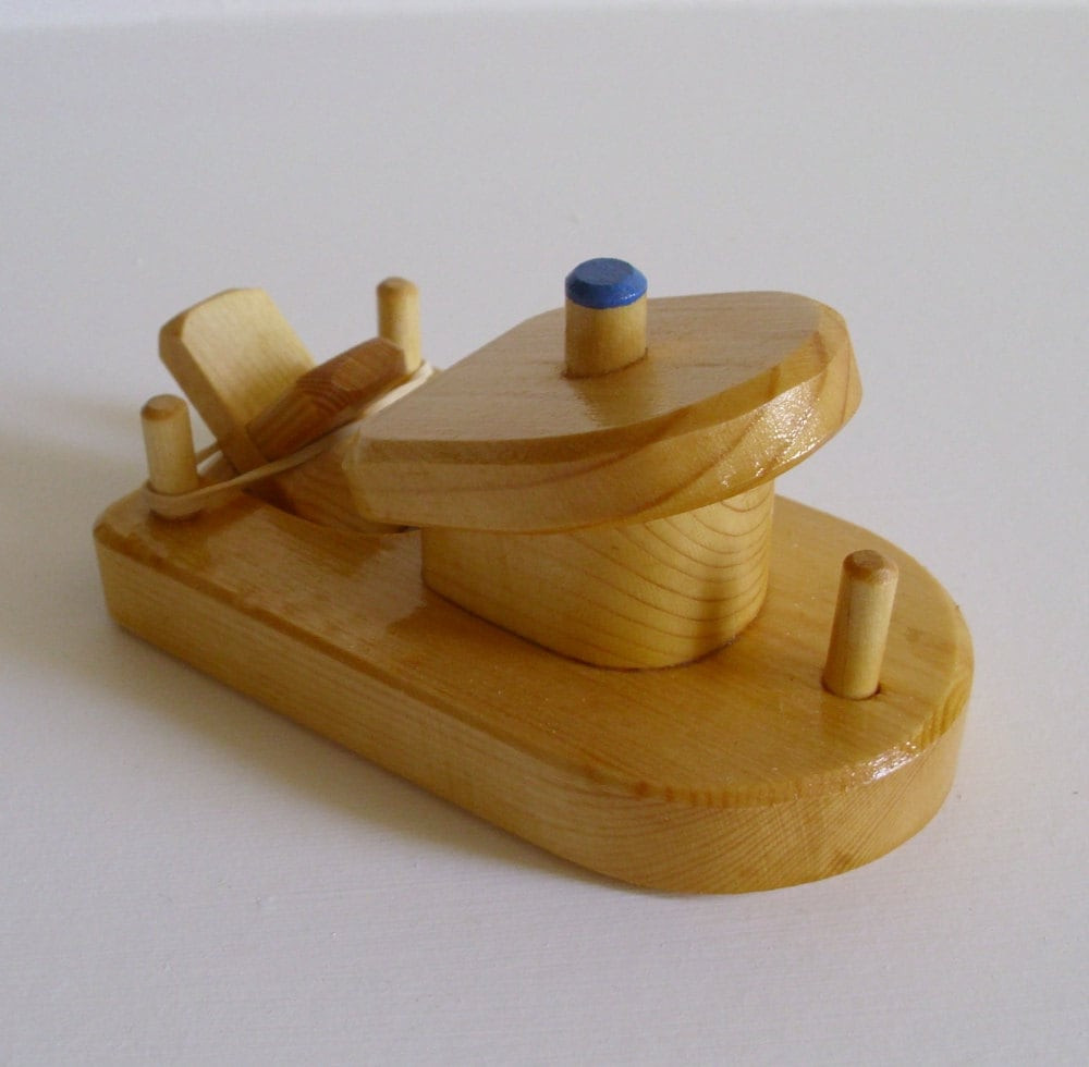 Wooden Small Toy Boat Rubber Band Bathtub Wood Kids
