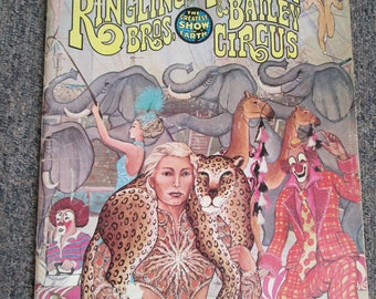 1977 Ringling and Barnum Brothers and Bailey Circus 107th souvenir program and magazine