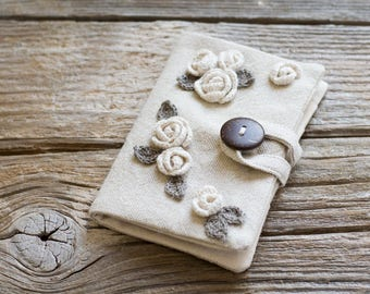 Eco Friendly Roses Credit Card Wallet, Linen and Cotton Credit Card Organizer, Natural Card Holder with Crochet Roses