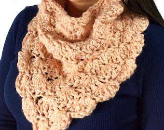 Chunky Shell Cowl, Infinity Scarf, Crochet Cowl, Peach Scarf, Circle Scarf, light peach cowl, Fall Fashion, Winter Fashion, Ready To Ship