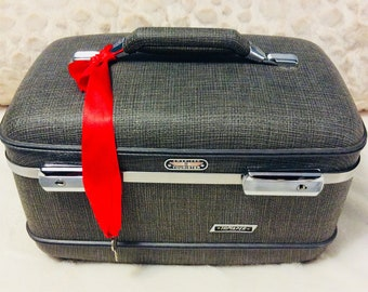 Vintage 1960s American Tourister Train Case Suitcase with Key Gray Tweed Cosmetic Luggage Carry On Storage