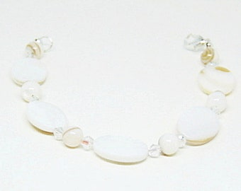 Mother Of Pearl And Crystal Bracelet,MOP Bracelet.Pearl Bracelet.Swarovski Bracelet,MOP Jewelry,Mother Of Pearl,Pearl jewelry,Swarovski