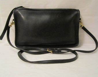 COACH Leather Purse, Black leather shoulder bag, Cross body bag, COACH clutch