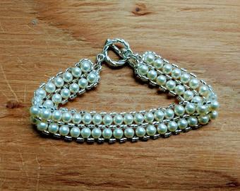 Small pearls bracelet / Simple Pearl Bracelet / Cream- Pearl Bracelet / Double row pearl bracelet / Pearl Bracelet / Wedding bracelet