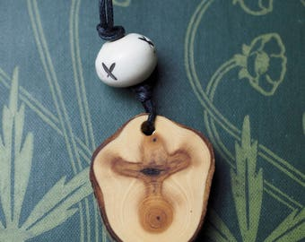 Simple, Natural English Yew Wood pendant - Dark Goddess - Wiccan, Witchcraft, Pagan