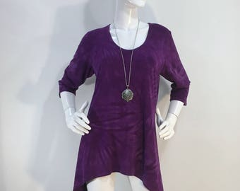 M purple tie dye tunic top with scoop neck in bamboo/cotton fabric.