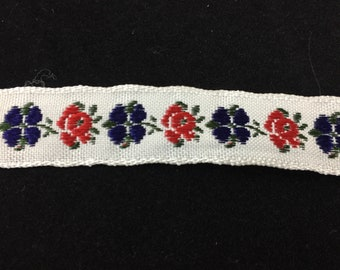1 Yard of Vintage Red, White and Blue Flower Trim 0.5 Inches Wide