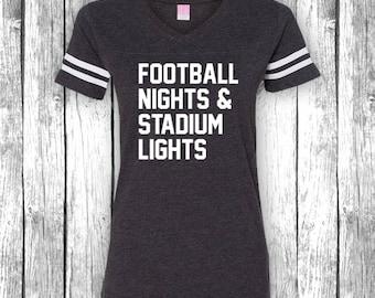 Fußball-Nächte und Stadion Lichter | Spieltag-Shirts, Heckklappe, lustiges T-Shirt, Superbowl, Touchdown, Heckklappe V-Ausschnitt Jersey Womens Shirt T-Shirt