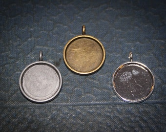 12 pieces  20 mm Round Pendant Blank Setting Small for Charm bracelets. Great for photos Lead and Nickel Free