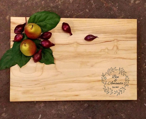 Personalized Cutting Board - Wreath Wedding Design - Wedding Cutting Board - Engraved Cutting Board - Personalized Wedding Gift
