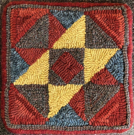 """Rug Hooking Pattern, Quilt Square, Towers of Camelot     10"""" x 10"""", P162"""