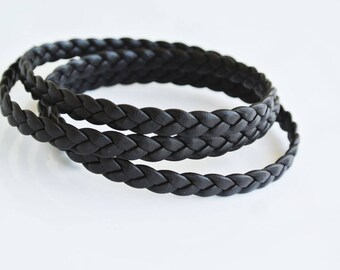 Flat braided brown leather, 67cm, 6.5x2mm