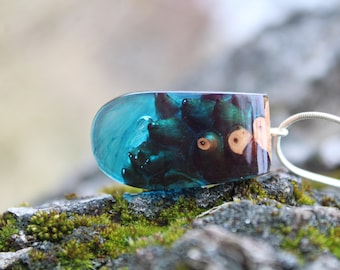 Resin necklace, Wood and resin, Wood resin, Wood resin pendant, Wood resin necklace, Blue resin, Blue Resin Necklace, Resin art, Gift resin