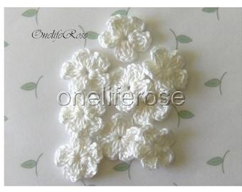 15 pcs Mini Crochet Flowers WHITE (00106)