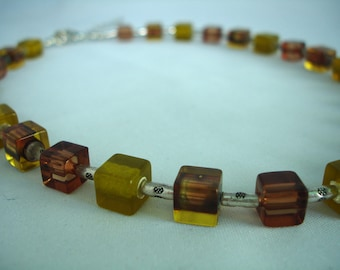 Topas-Brown- Cubes Necklace - Acrylic Beads - Olive-greeen cube beads - Summer Necklace