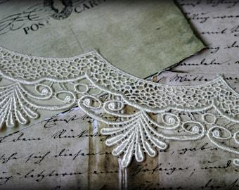 Tresors  White  Venice Fabric Embroidered Guipure Bridal Scalloped Craft Lace Trim LA-114
