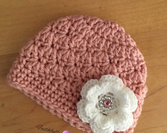 Newborn girl beanie.. Pink with white flower hair clip.. Photography prop.. Ready to ship