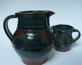 A pair of gorgeous vintage Margaret Leach Taena Pottery Jugs